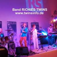 Band RiCHiES TWiNS