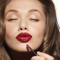 Mobile Makeup Artist Moni Faber